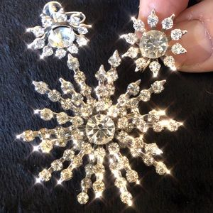 ✨VTG set brooch and earrings rhinestone starburst